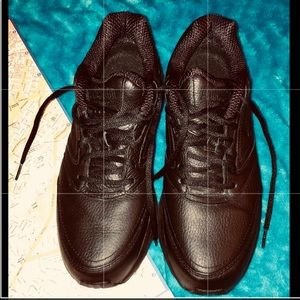 NWOT Brooks Addiction Walker shoes 11 narrow2A